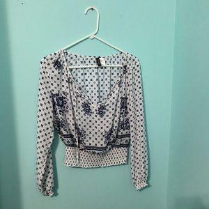 H&M blue/white cropped blouse